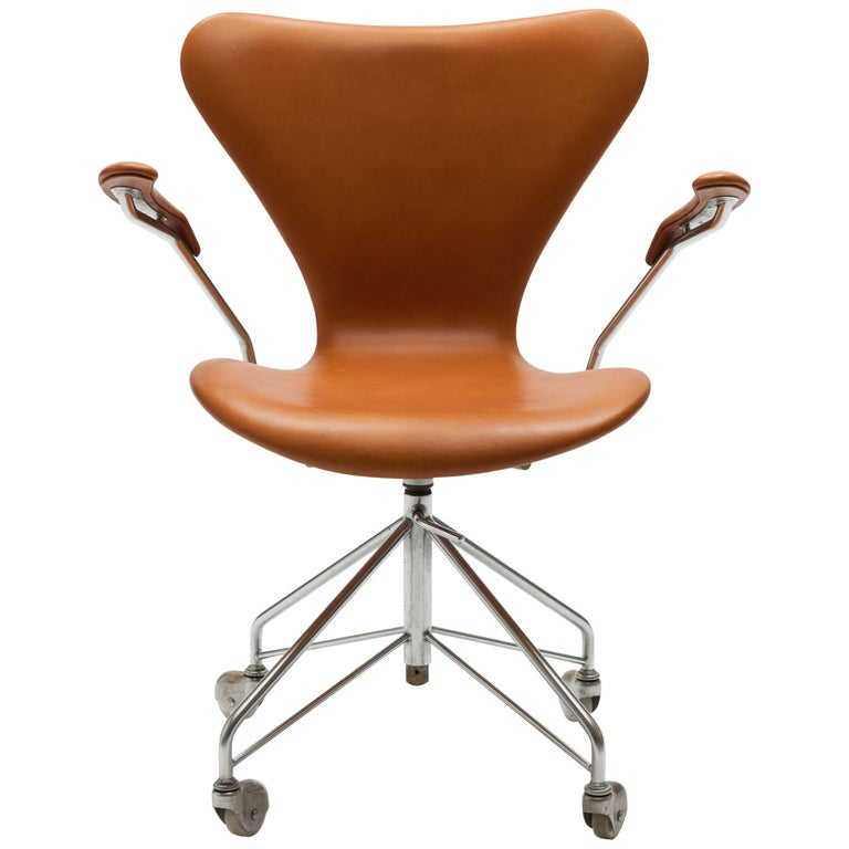 Terrific Early Arne Jacobsen Cognac Leather 3217 Swivel Desk Chair With Arms Ncnpc Chair Design For Home Ncnpcorg
