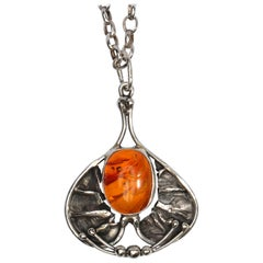 Early Arts & Crafts Necklace of Silver and Amber