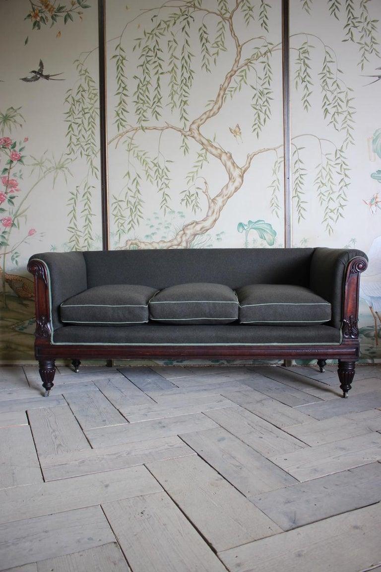 Early 19th Century English Mahogany Sofa For Sale 7