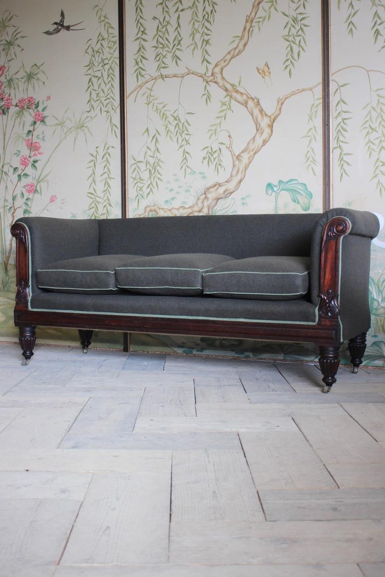 Early 19th Century English Mahogany Sofa In Good Condition For Sale In Gloucestershire, GB