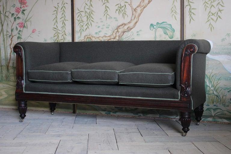 Early 19th Century English Mahogany Sofa For Sale 1