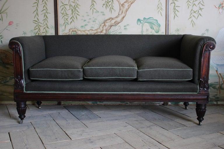 Early 19th Century English Mahogany Sofa For Sale 2