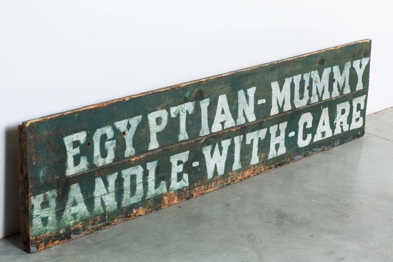 Early Carnival Midway Sideshow or Circus Prop Sign Egyptian Mummy Crate In Good Condition For Sale In Santa Monica, CA