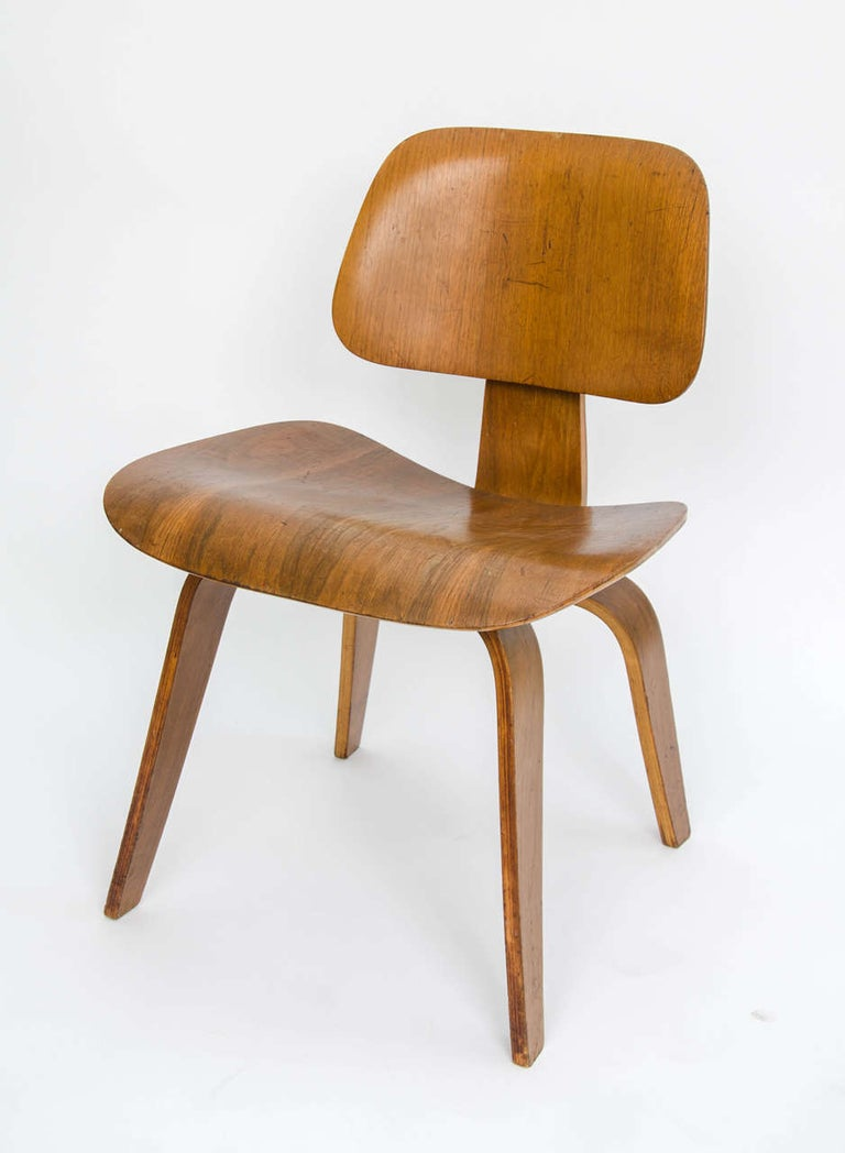 American Early DCW Bent Plywood Chair by Charles Eames for Evans, 1940s For Sale