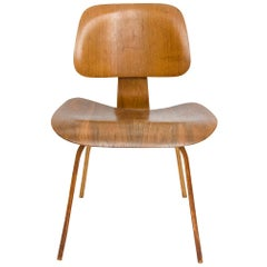 Early DCW Bent Plywood Chair by Charles Eames for Evans, 1940s