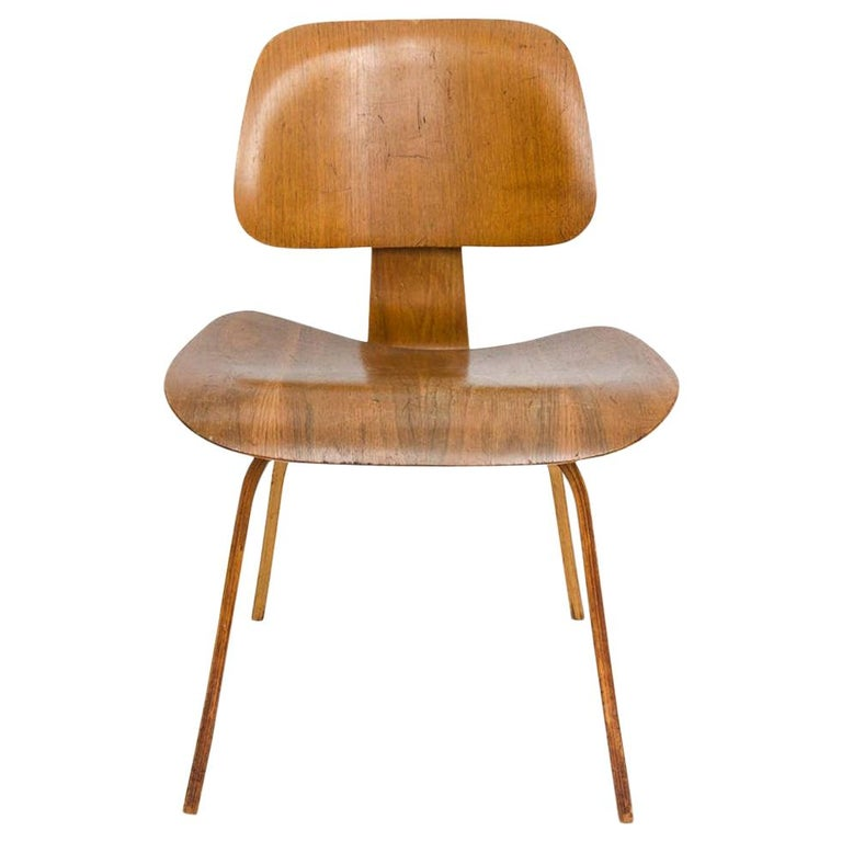 Early DCW Bent Plywood Chair by Charles Eames for Evans, 1940s For Sale