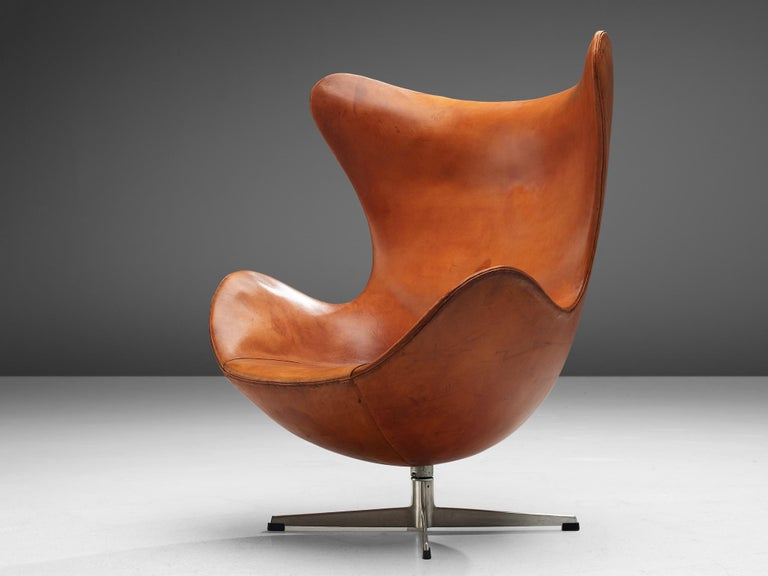 Easy chair by Arne Jacobsen for Fritz Hansen, leather and steel, Denmark, designed 1958, produced 1959. 