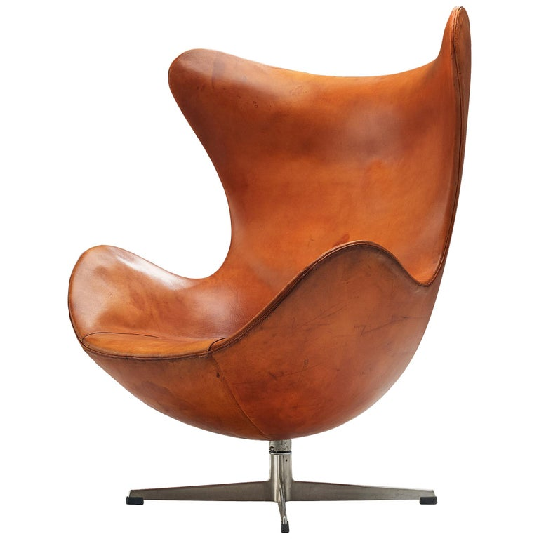 Early Edition of the Egg Chair by Arne Jacobsen For Sale