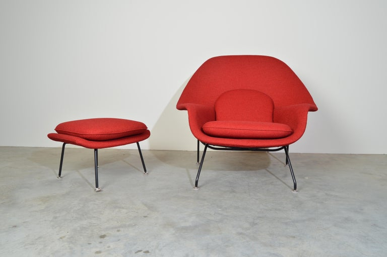 American Early Eero Saarinen for Knoll Womb Chair & Ottoman in Knoll Fabric, 1969 For Sale