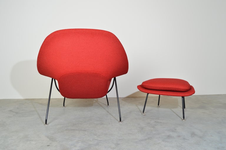 Early Eero Saarinen for Knoll Womb Chair & Ottoman in Knoll Fabric, 1969 In Excellent Condition For Sale In Southampton, NJ