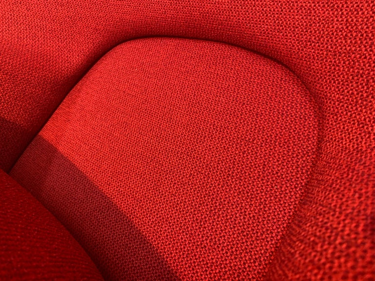 Early Eero Saarinen for Knoll Womb Chair & Ottoman in Knoll Fabric, 1969 For Sale 1