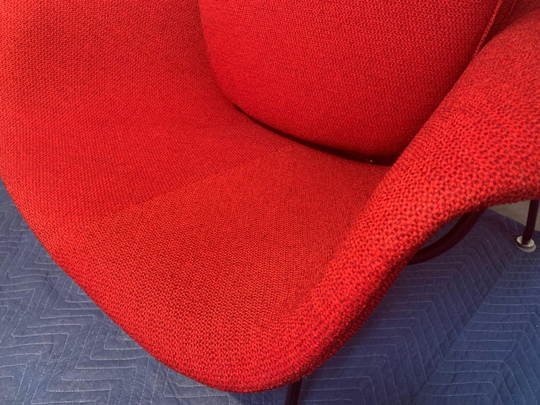 Early Eero Saarinen for Knoll Womb Chair & Ottoman in Knoll Fabric, 1969 For Sale 2
