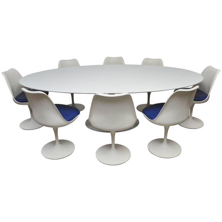 Early Eero Saarinen Oval Dining Table with Eight Chairs For Sale