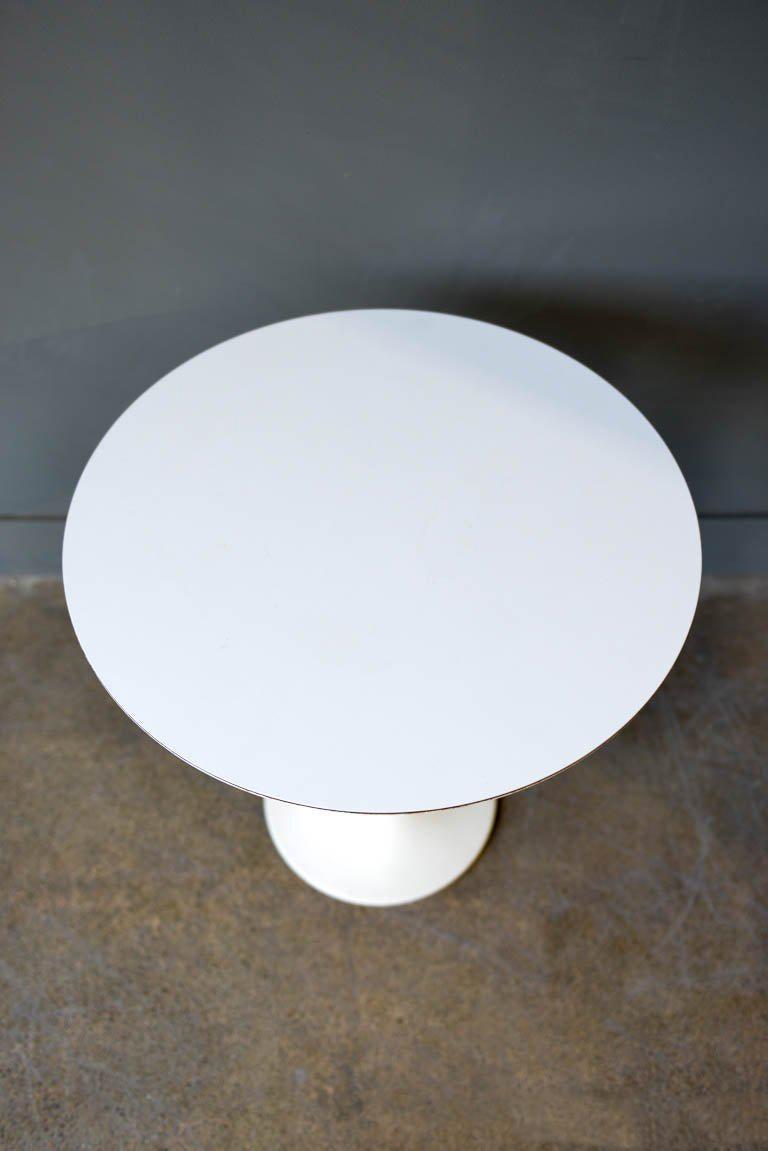 Mid-Century Modern Early Eero Saarinen Tulip Side Table for Knoll, circa 1960 For Sale
