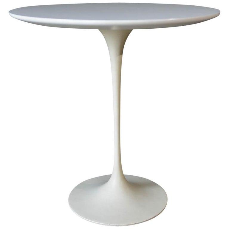 Early Eero Saarinen Tulip Side Table for Knoll, circa 1960 For Sale