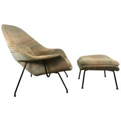 Early Eero Saarinen Womb Chair and Ottoman, Jack Lenor Larsen Fabric, Knoll