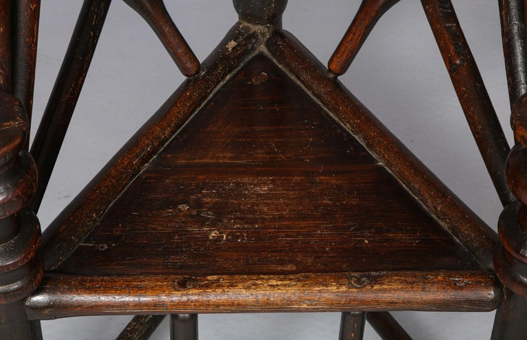 Early English or Scottish Turner's Chair  For Sale 1