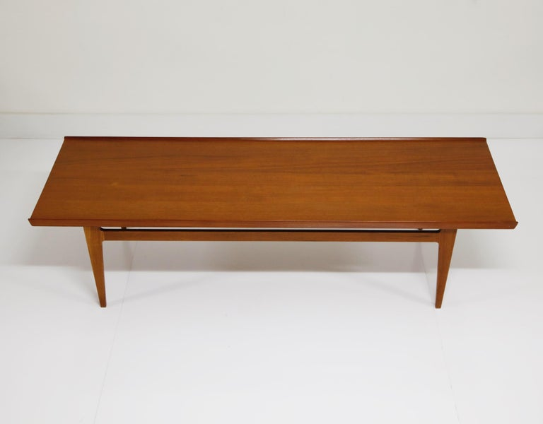 Early Finn Juhl for France and Daverkosen FD532 Teak Coffee Table, Denmark 1950s In Excellent Condition For Sale In Los Angeles, CA