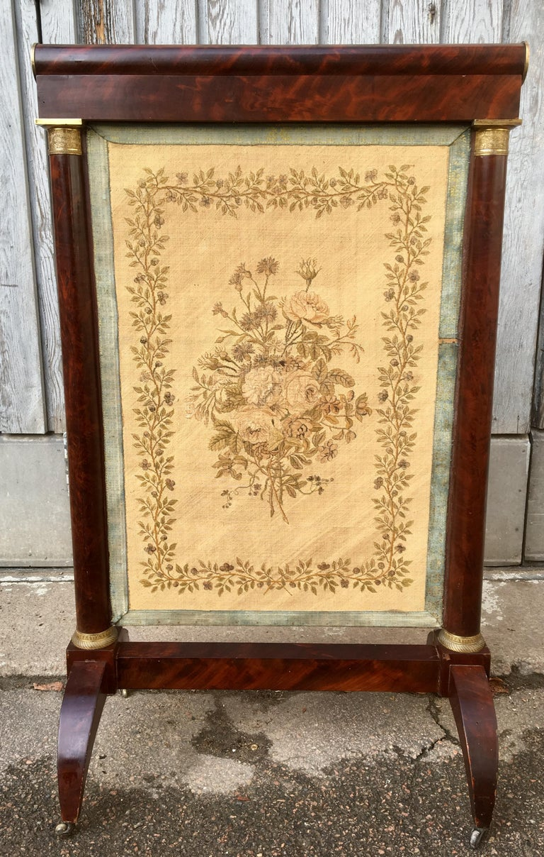 Early French 19th Century Empire Mahogany and Gilt Bronze Firescreen For Sale 16