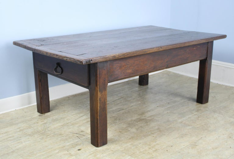Early French Oak Coffee Table In Good Condition For Sale In Port Chester, NY