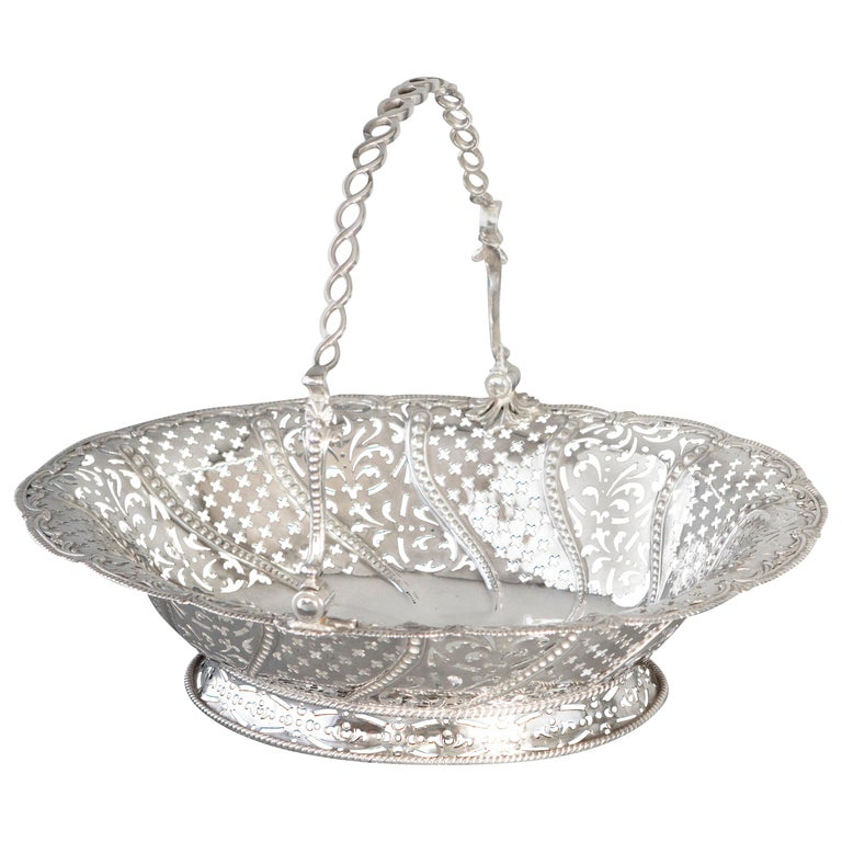 Early Georgian Silver Basket, London 1761 by William Plummer For Sale
