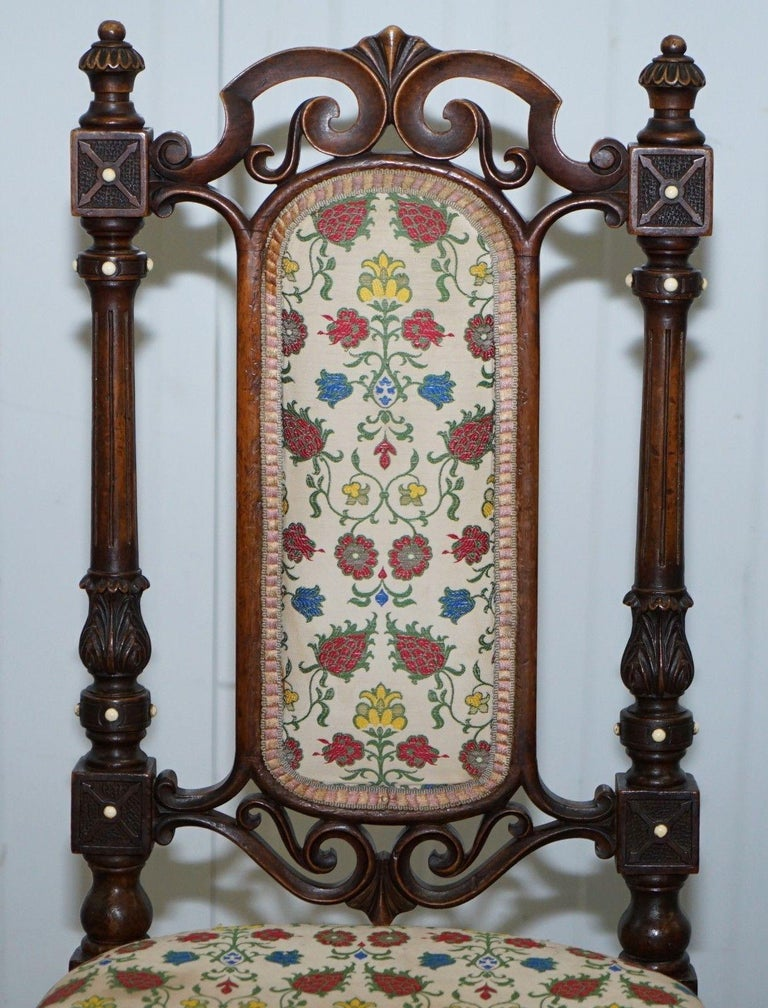 English Early Georgian Single Chair Highly Carved and Detailing Walnut, circa 1800 For Sale