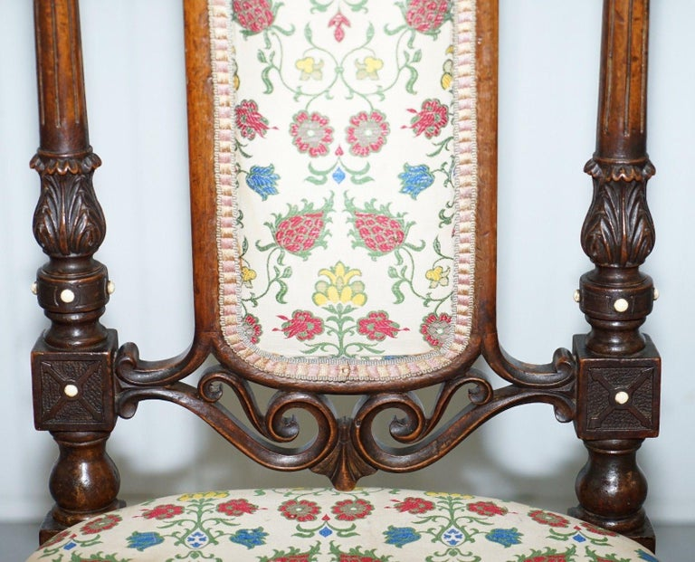 Early Georgian Single Chair Highly Carved and Detailing Walnut, circa 1800 In Good Condition For Sale In London, GB