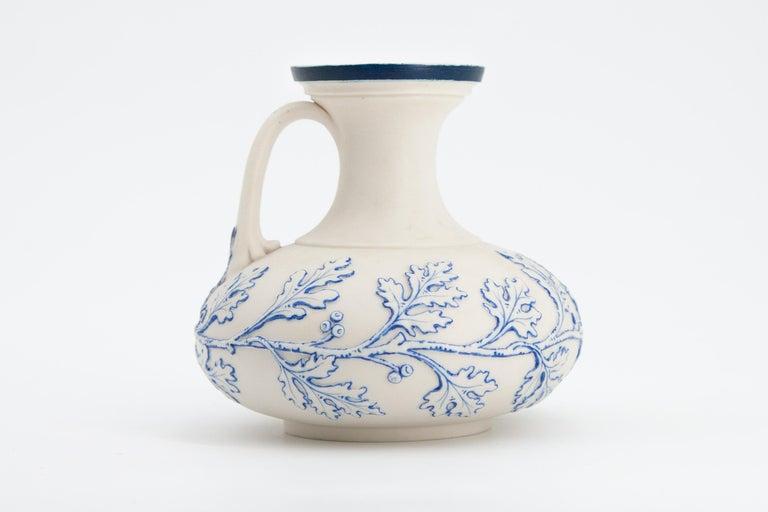 British Early Grainger Worcester Porcelain Blue and White Vase For Sale