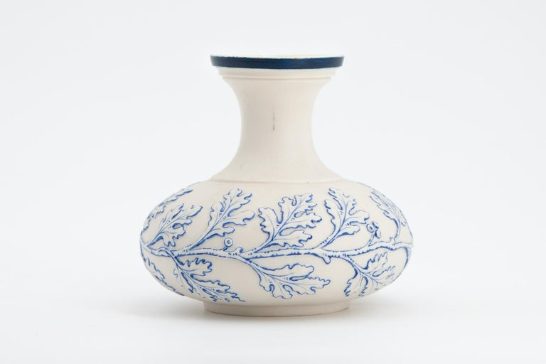 Hand-Painted Early Grainger Worcester Porcelain Blue and White Vase For Sale