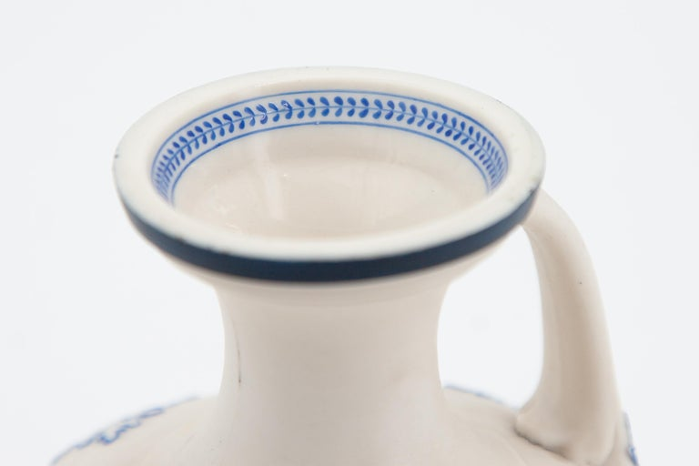 Early Grainger Worcester Porcelain Blue and White Vase In Excellent Condition For Sale In Fort Lauderdale, FL