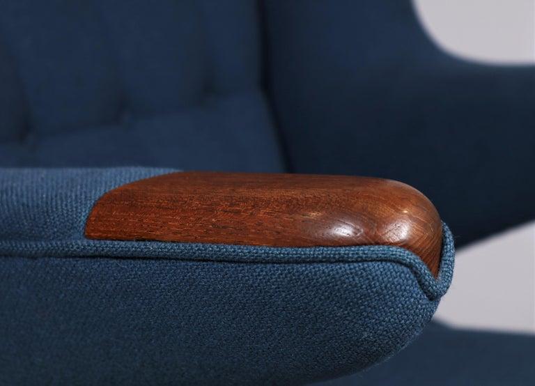 Early Hans J. Wegner Papa Bear Chair in Teak and Blue Hallingdal Wool, 1960s For Sale 1
