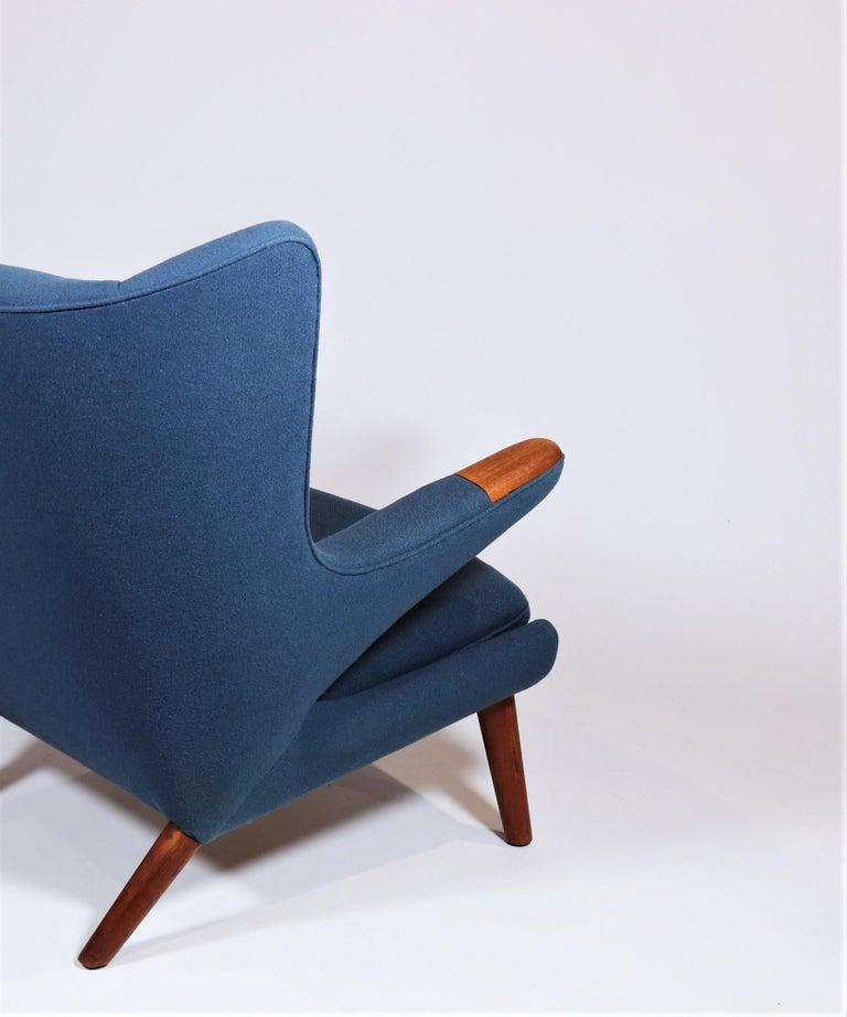 Early Hans J. Wegner Papa Bear Chair in Teak and Blue Hallingdal Wool, 1960s For Sale 3