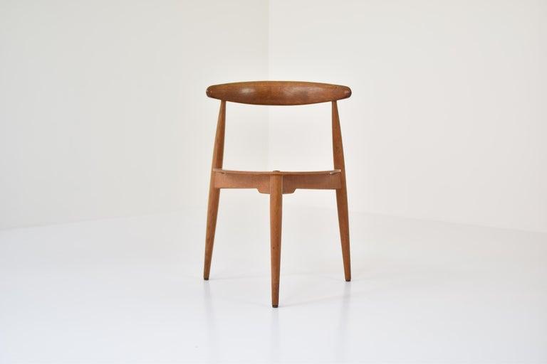 Scandinavian Modern Early 'Heart' Side Chair by Hans J. Wegner for Fritz Hansen, Denmark, 1952 For Sale