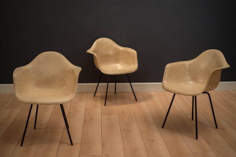 Early Herman Miller Fiberglass Eames Shell Armchair by Zenith For Sale 2