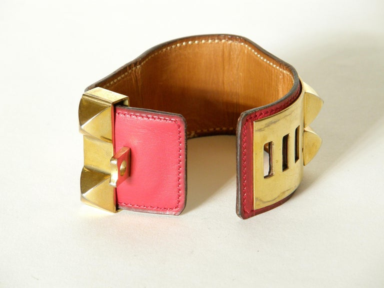 Early Hermès Collier de Chien Cuff Bracelet Red Leather CDC with Gold Hardware In Good Condition For Sale In Chicago, IL