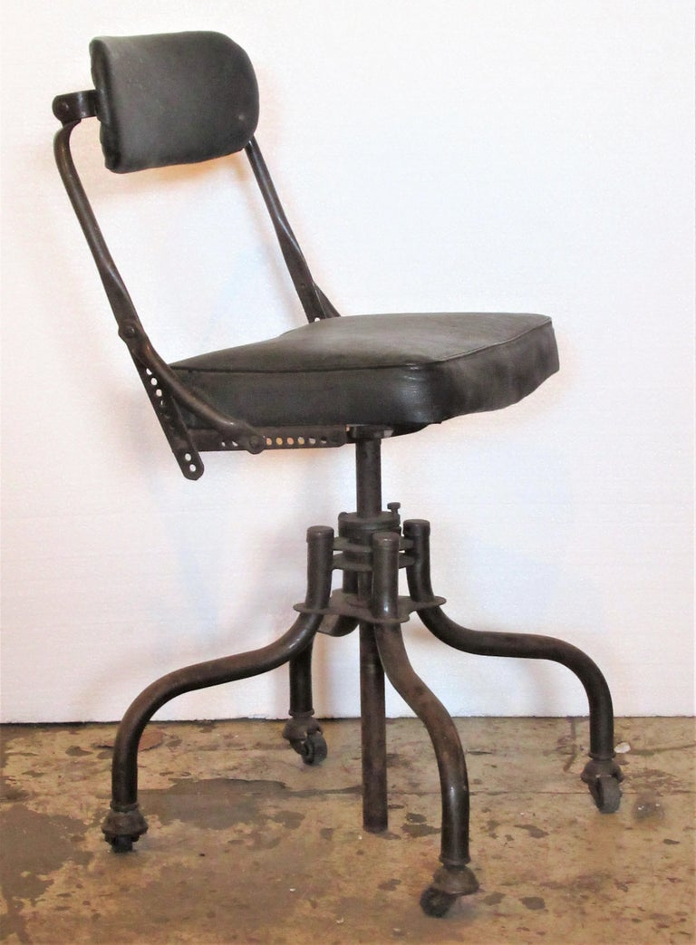 Early Industrial Task Chairs by Domore For Sale 4