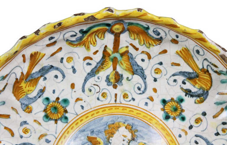 Early Italian Majolica Footed Bowl In Distressed Condition For Sale In Essex, MA