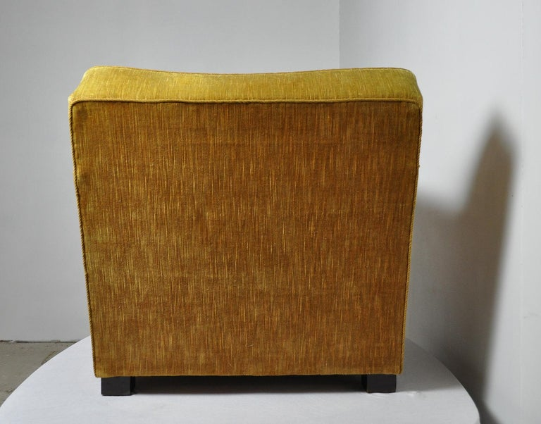 Early Midcentury Lounge Chair in Original Velvet Upholstery In Good Condition For Sale In Vordingborg, DK