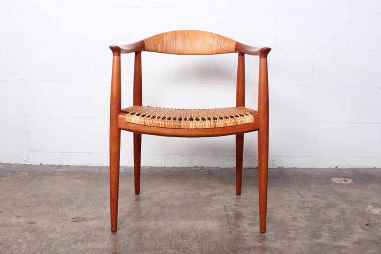 Early Original Round Chair by Hans Wegner In Good Condition For Sale In Dallas, TX