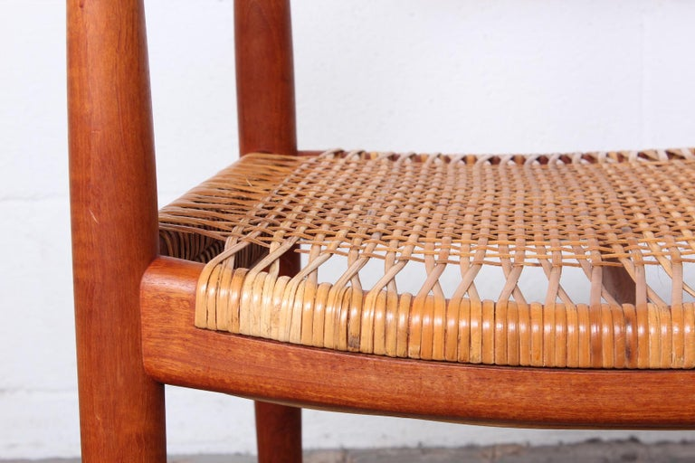 Early Original Round Chair by Hans Wegner For Sale 1
