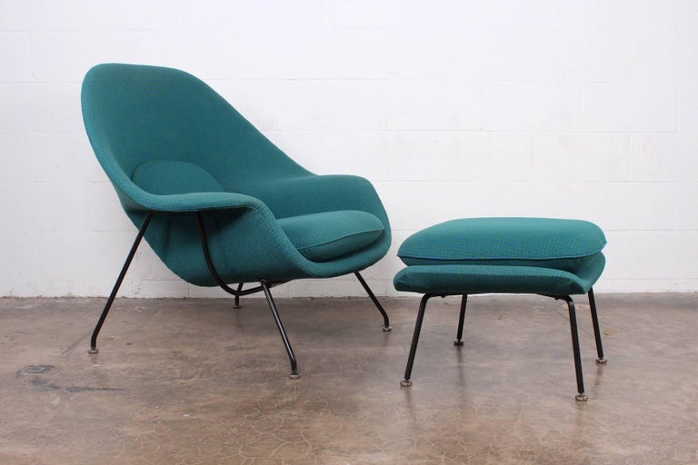 Early Original Womb Chair and Ottoman by Eero Saarinen In Good Condition For Sale In Dallas, TX