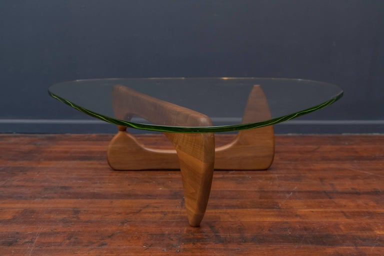Early Isamu Noguchi Coffee Table Model IN-50 For Sale 2
