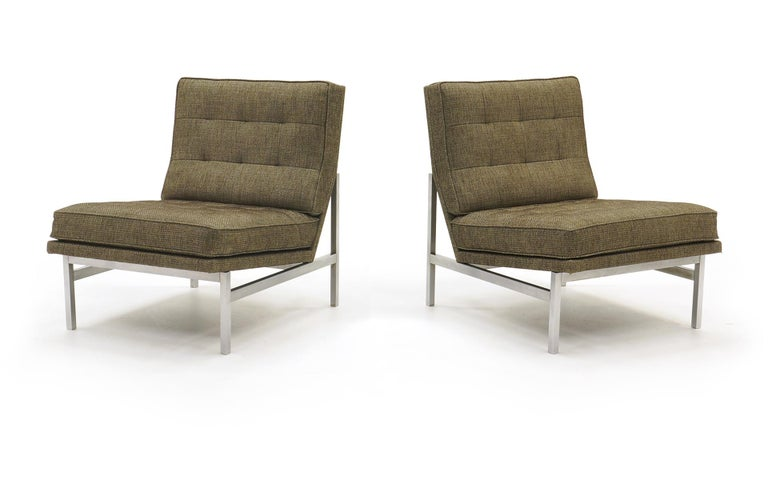 Mid-Century Modern Early Pair of Florence Knoll Armless Slipper Lounge Chairs, Excellent Condition For Sale
