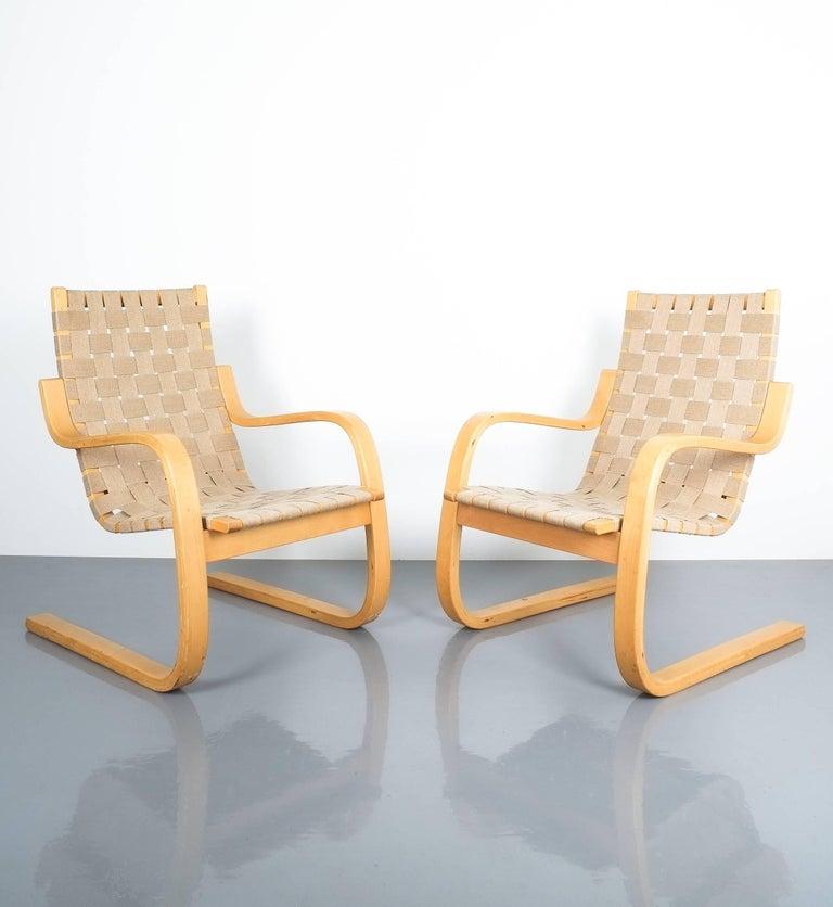 Mid-Century Modern Early Pair of Alvar Aalto Armchairs Chair Model 406 Artek, 1960 For Sale