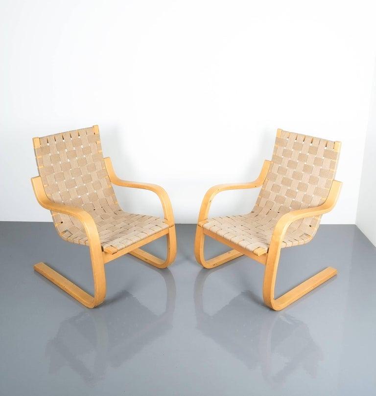 Early Pair of Alvar Aalto Armchairs Chair Model 406 Artek, 1960 For Sale 1