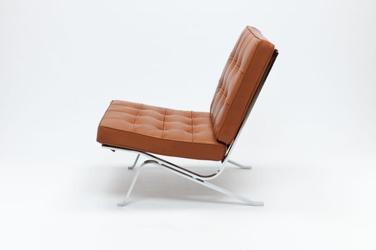 Early Pair of Cognac Leather RH301 Lounge Chairs by Robert Haussmann In Good Condition For Sale In Utrecht, NL