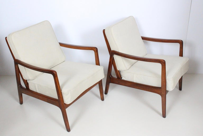 Early Pair of Ole Wanscher Mahogany Lounge Chairs, 1950's 14