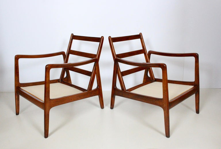 Early Pair of Ole Wanscher Mahogany Lounge Chairs, 1950's In Good Condition In Bainbridge, NY