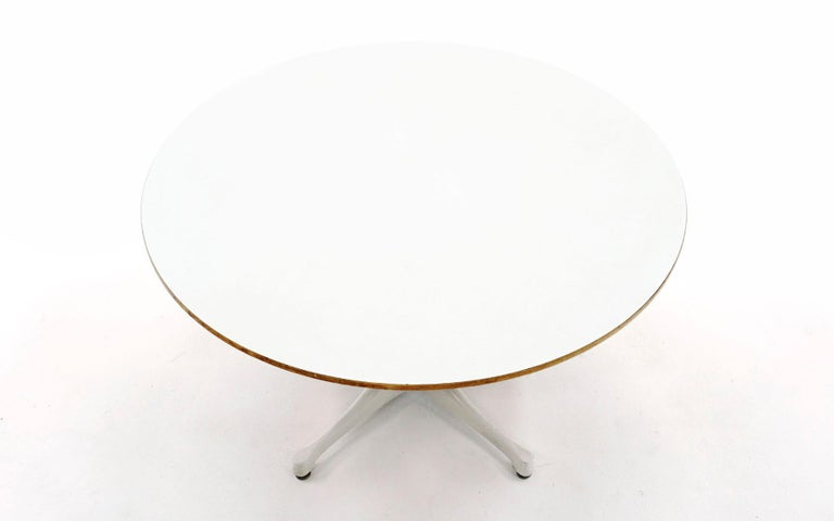 Mid-Century Modern Early Pedestal Coffee Table No. 5452 Designed by Irving Harper for George Nelson For Sale