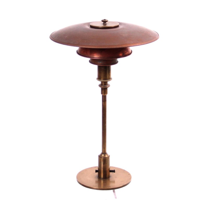 Mid-Century Modern Early Poul Henningsen Table Lamp in Brass with Copper Shades, 1927-1928 For Sale